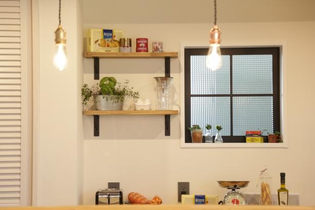 キッチン 飾り棚・FIX窓